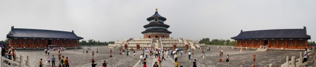 Temple_of_Heaven,_Beijing,_China_-_010_edit-1.jpg